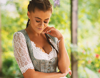 Dirndl Love Outdoor