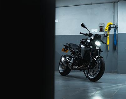 BMW F900R / By Sourav Mishra.