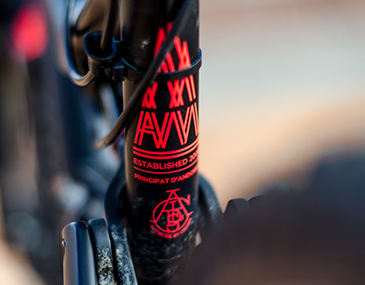 Amy: The Commencal Meta AM V4 Photoshoot