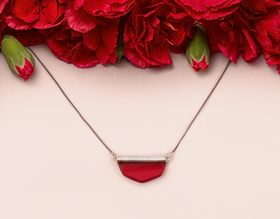LO Red Pendant Necklace