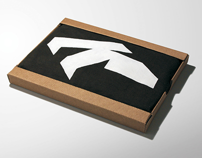 K - t-shirt and package