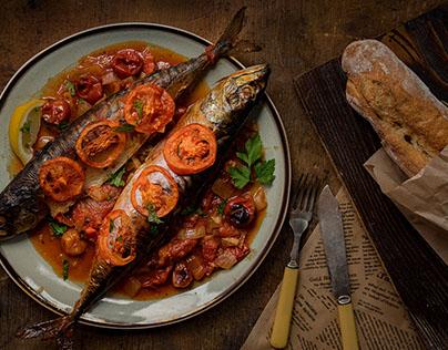 Goodlife.bg -  Baked mackerel with tomato sauce