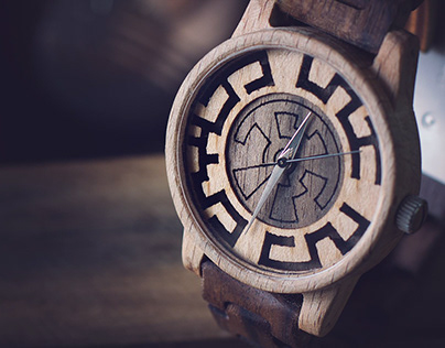 HRAJ – limitovaná edice dřevěných hodinek