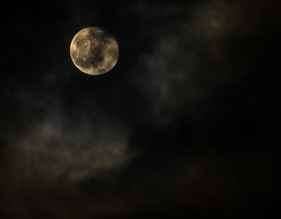 Dramatic Full Moon