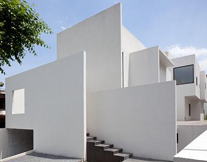 AR House in Mexico by Lucio Muniain et al