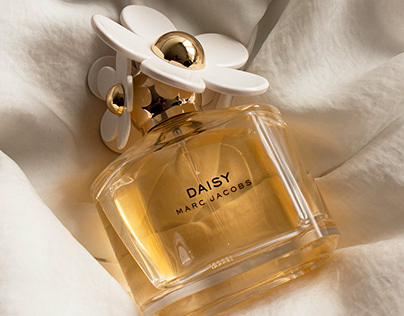 Images that persuade: Daisy perfume on Satin- Test two