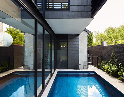 Over Pool House in Australia by Jane Riddell Architects