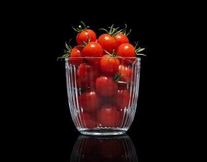 Cherry Tomatoes / Photo