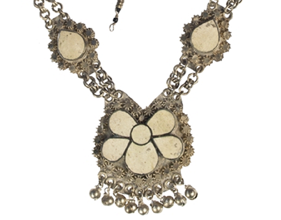 Near Eastern necklace