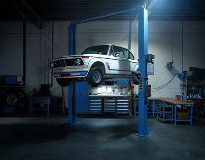 BMW 2002 TURBO: Classic Car Garage