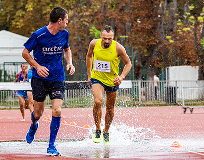 3000 meters steeplechase man race