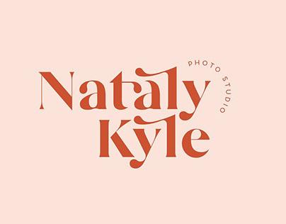 Mikela Gorgeous Typefaces