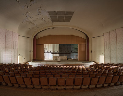 abandoned theaters and cinemas