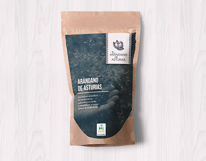 Logo and packaging for a blueberry producer