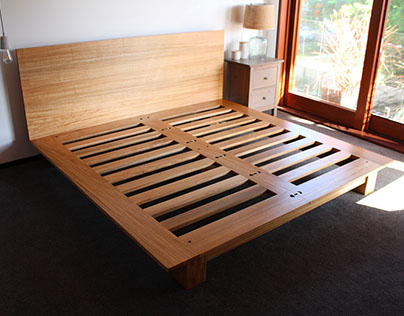 The Oriel bed