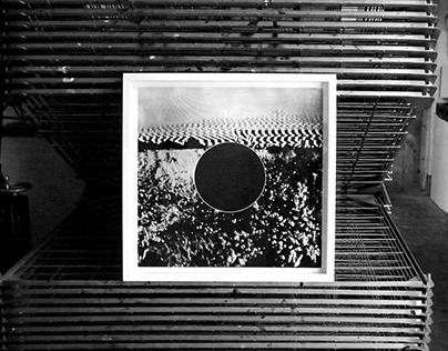 motif: 'Fields: Black'
