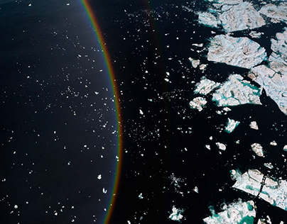 Colors of the Arctic
