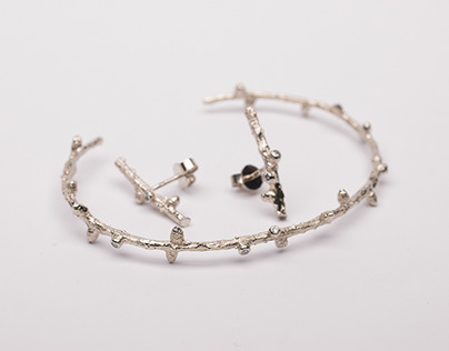 Larch Set in white gold and diamonds