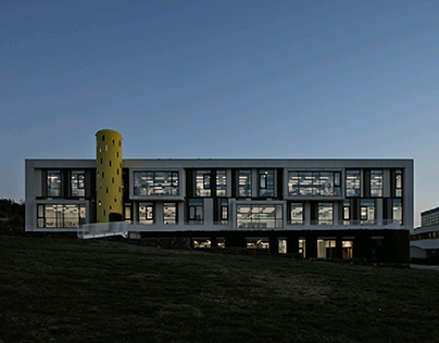 "AYB Middle School / ""Storaket"""
