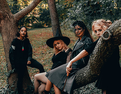 Her STL Witchy Walk 2019