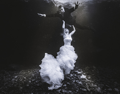 Underwater Wedding Photoshoot