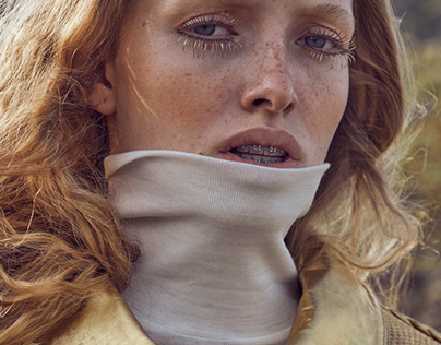 ELLE :: A Touch of Gold, Beauty Editorial