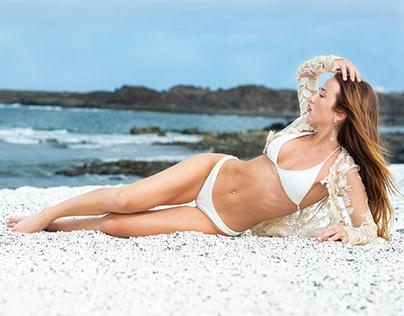 Sara in the beach