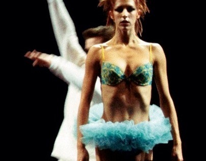 Sydney Dance Company - Underland