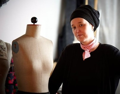Die Designerin Susanne Bisovsky
