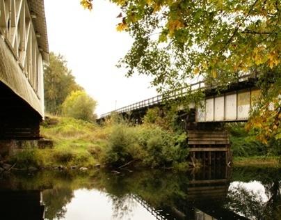 Photos of covered bridges in Oregon.