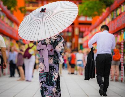 Portrait: Yukata with Japanese umbrella