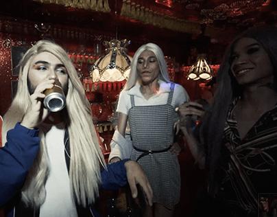 Cuál es tu maricada - Videos Musicales
