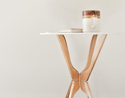 Table of Hanger
