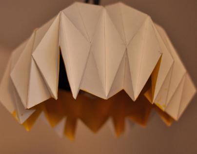 Abat-jour en papier pliage.