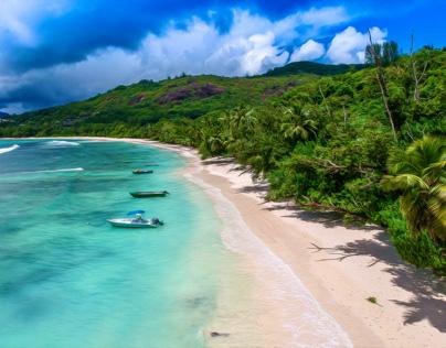 Drohnenperspektive auf den Seychellen