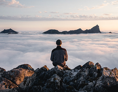 Lofoten: Above the clouds