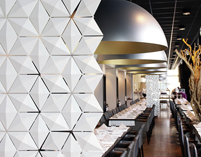 FANTASTIC LOOKING RESTAURANT DIVIDER (FINALLY!)