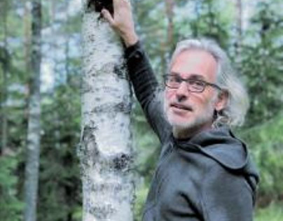 Jason Freskos Shares 5 Reasons to Incorporate Yoga into