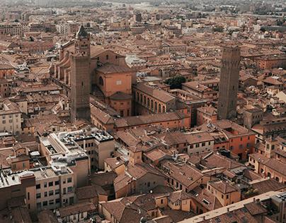 Bologna / Visual Travel Guide