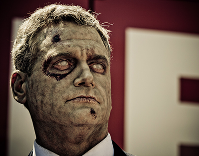THE WALKING DEAD – ZOMBIE-FOR-PRESIDENT BUS