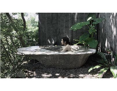 Bathing with wild herb-medicine