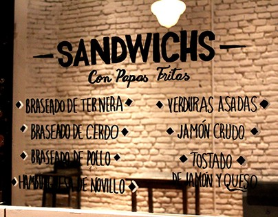 Lettering on a mirror | Café Urquiza
