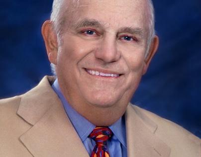 Dr Lawrence Dorr