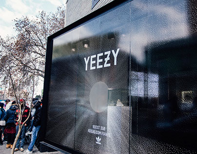 YEEZY BOOST 350 | WINDOW DISPLAY