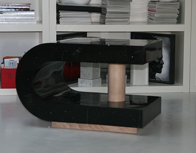 Magnet table