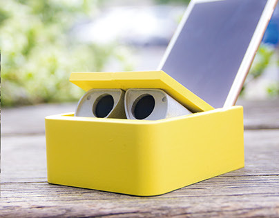 WALL-E PHONE DOCK AND CASE