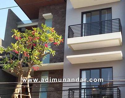 Rumah 3 lantai Moderen Tropis Surabaya