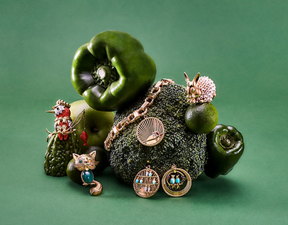 ART DIRECTION AND STYLING - VINTAGE JEWELLERY