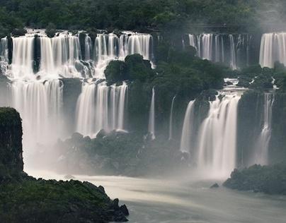 ''The Breathtaking Beauty of Iguazu Falls''