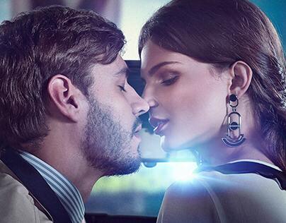 Light, Camera, kiss...